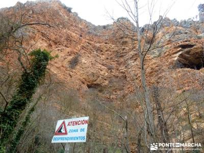 Parque Natural Monasterio de Piedra; turismo en la sierra de madrid; pantalon senderismo;tiendas alp